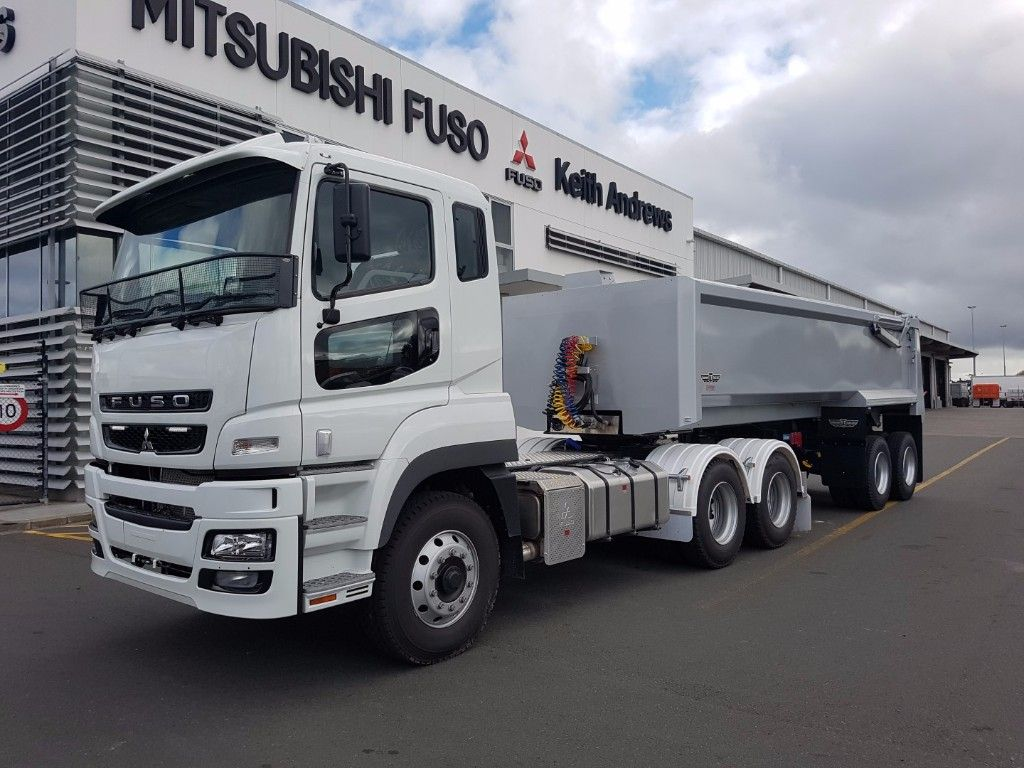 2018 FUSO HD FV2538 SPEC BUILT TRACTOR UNIT AND TIPULATOR