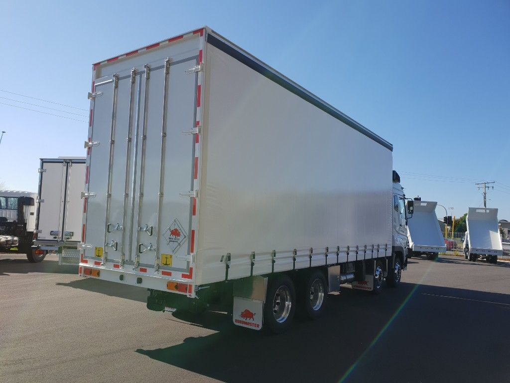 2018 FUSO HD FS3147 CURTAINSIDER